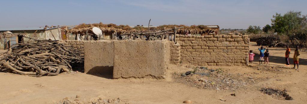 info via schotelantenne in het dorp